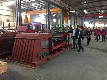 germany client visit tianli for eddy current separator 2.jpg